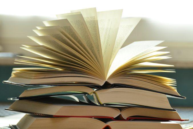 blur-books-close-up-159866